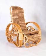 Розкладне крісло-шезлонг Cruzo Одісей з натурального ротангу Медове kr0017