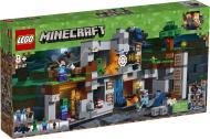 Конструктор LEGO Minecraft Пригоди на скелях 21147