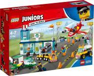 Конструктор LEGO Juniors Міський аеропорт 10764