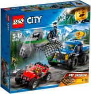 Конструктор LEGO City Погоня по грунтовій дорозі 60172