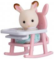 Игровой набор Sylvanian Families Кролик на детском стуле