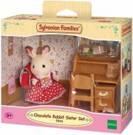 Игровой набор Sylvanian Families Шоколадная Кролик-Сестра за партой 5016