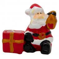 Подсвечник со свечой Дед Мороз с подарком, 9х4х6,5 см 441686