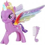 Фигурка My Little Pony Искорка с радужными крыльями E2928