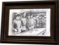 Репродукция В бой идут идут одни старики №1807 в раме за состаренным зеркалом 28x38 см SEAPS