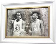 Репродукция Майкл Джордан и Коби Брайант Х4. №1742 в раме за состаренным зеркалом 28x38 см SEAPS
