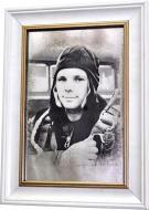 Репродукция Юрий Гагарин №1723 в раме за состаренным зеркалом 28x38 см SEAPS
