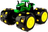 Трактор Tomy John Deere Monster Treads з великими шипованими колесами 46712 1:24