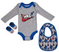 Набір Nike боді + шкарпетки + слюнявчик FUTURA BN0561-042 6-12M сірий