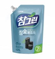 Миючий засіб для ручного миття посуду Lion Деревне вугілля 1,2л