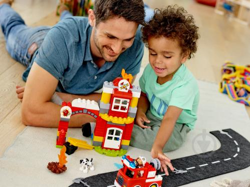 Конструктор LEGO Duplo Пожежне депо 10903 - фото 34