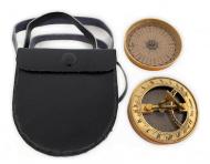 Компас с солнечными часами бронзовый в кожаном чехле